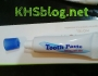 Begini cara buka pasta gigi kecil ketika dihotel…hehehe