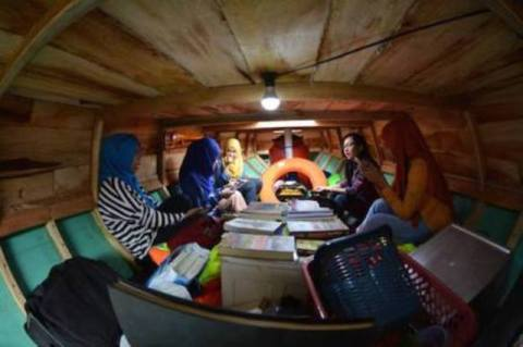 Perahu Pustaka dari Polewali Mandar, Sulawesi Barat