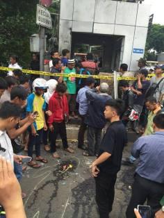 foto sisi unik tragedi bom sarinah jakarta 14 januari 2016 (7)