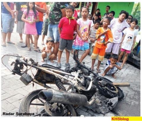 motor satria fu punya pencuri dibakar di Surabaya tahun 2016