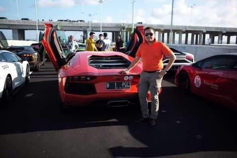 wahyu Dewanto Suripman wakil ketua Dream Club Indonesia bersama Supercar Lamborghini