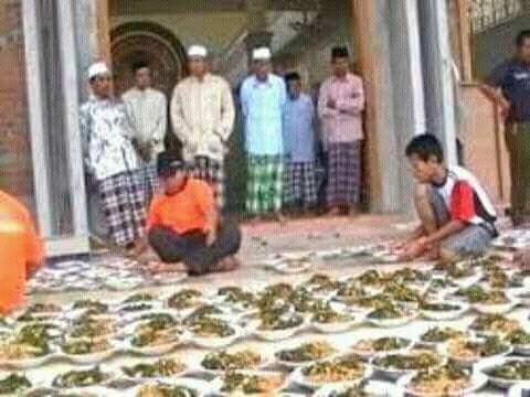 tradisi sangring kolak ayam malam 23 ramadhan di gumeno manyar Gresik ~02