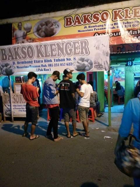 bakso Klenger dengan pentol jumbo di Surabaya tahun 2016~04