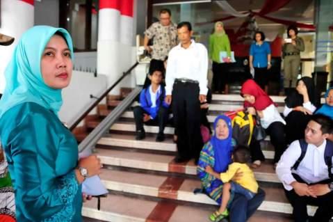 korban penipuan CPNS di lingkungan Pemerintah Kota Surabaya tahun 2016 ditemui Kepala BKD Kota Surabaya