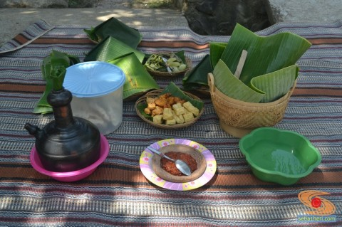 nasi-tempong-di-kampung-adat-osing-banyuwangi-tahun-2016-1