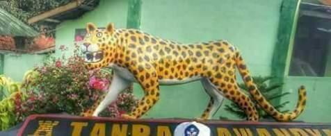 patung macan gaul bikin tersenyum tahun 2017~06