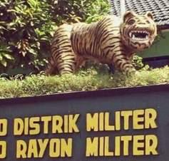 patung macan gaul bikin tersenyum tahun 2017~07