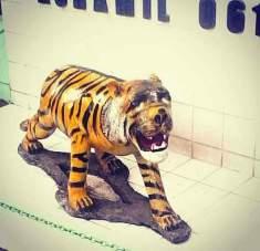 patung macan gaul bikin tersenyum tahun 2017~08