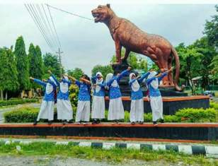 patung macan gaul bikin tersenyum tahun 2017~11