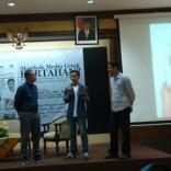 Kuliah Tamu di fisip unair 2017 bersama Dahlan Iskan dengan tema Akankah koran cetak bertahan (12)