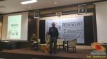 Kuliah Tamu di fisip unair 2017 bersama Dahlan Iskan dengan tema Akankah koran cetak bertahan (6)