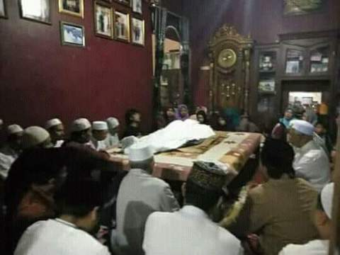 ra lilur asal bangkalan meninggal dunia pada tanggal 10 April 2018