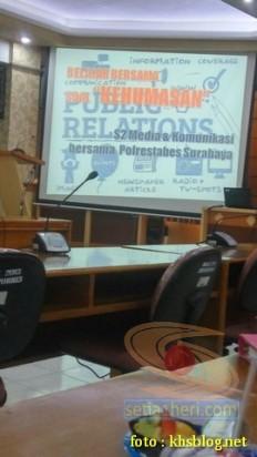 Sinau Humas bareng Polisi Se-Surabaya di FISIP Universitas Airlangga brosis. (2)