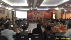 Sinau Humas bareng Polisi Se-Surabaya di FISIP Universitas Airlangga brosis. (3)