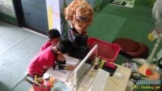 Liburan sekolah, saatnya berkunjung ke Pepustakaan Desa Rumah Pelangi, Suci, Gresik (2)
